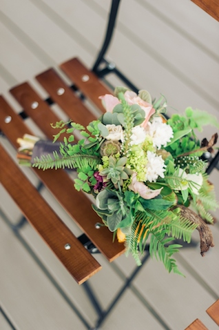 Fern bouquet | Christa Taylor Photography | see more on: http://burnettsboards.com/2015/11/urban-industrial-rooftop-wedding/