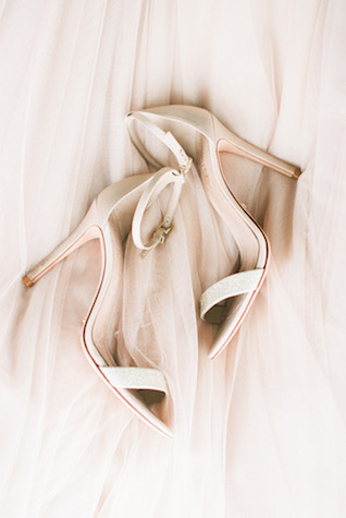 BHLDN wedding shoes | Sharon Nicole Photography | see more on: http://burnettsboards.com/2015/11/modernly-rustic-texas-hill-country-wedding/