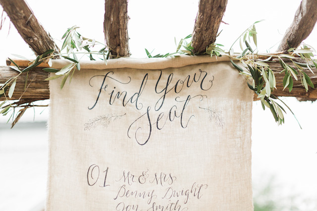 Linen seating chart | Sharon Nicole Photography | see more on: http://burnettsboards.com/2015/11/modernly-rustic-texas-hill-country-wedding/