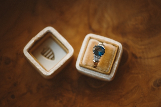 Vintage blue stone ring | Jessi Field Photography | see more on: http://burnettsboards.com/2015/11/stylish-elopement-wedding/