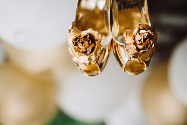gold wedding shoes - photo by With Love and Embers http://ruffledblog.com/valley-crest-farm-wedding