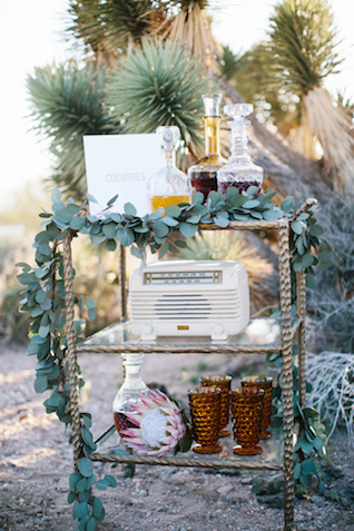 Wedding bar cart | M. Felt Photography | see more on: http://burnettsboards.com/2015/11/mid-century-modern-southwestern-wedding/