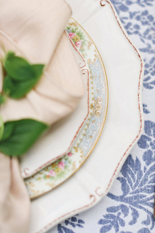 Vintage china | Ivy & Stone Photography | see more on: http://burnettsboards.com/2015/11/world-european-romance-themed-wedding/