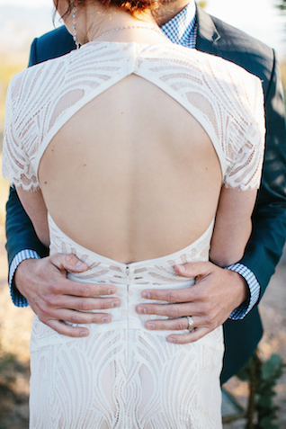 Open back wedding dress | M. Felt Photography | see more on: http://burnettsboards.com/2015/11/mid-century-modern-southwestern-wedding/