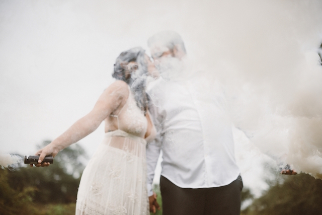 Smoke bombs at weddings | Jessi Field Photography | see more on: http://burnettsboards.com/2015/11/stylish-elopement-wedding/