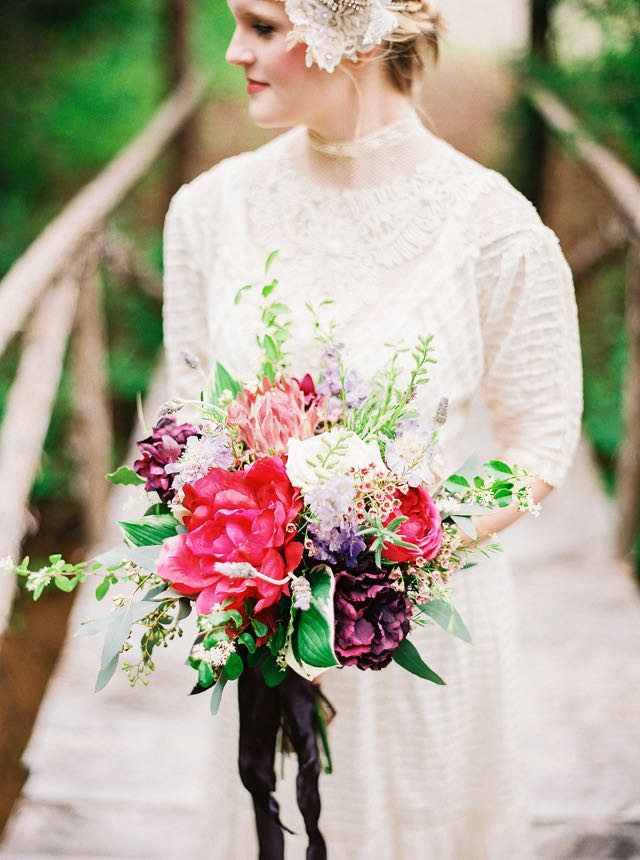 Jewel toned bridal bouquet | see more on: http://burnettsboards.com/2015/11/rustic-jewel-toned-wedding/