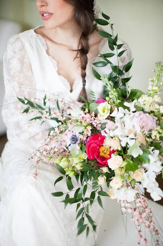 Colorful bridal bouquet | Roberta Facchini Photography | see more on: http://burnettsboards.com/2015/11/italian-bridal-preparation-inspiration/