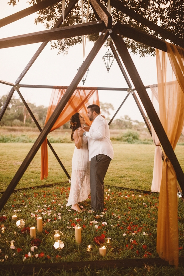 Outdoor geometric wedding structure | Jessi Field Photography | see more on: http://burnettsboards.com/2015/11/stylish-elopement-wedding/