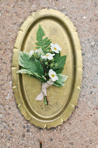 Boutonniere | Ivy & Stone Photography | see more on: http://burnettsboards.com/2015/11/world-european-romance-themed-wedding/