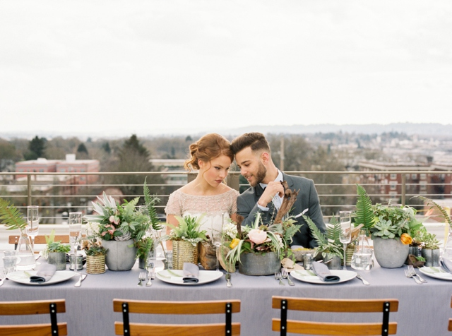 Portland rooftop wedding | Christa Taylor Photography | see more on: http://burnettsboards.com/2015/11/urban-industrial-rooftop-wedding/