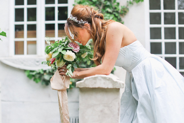 Romantic wedding ideas | Ivy & Stone Photography | see more on: http://burnettsboards.com/2015/11/world-european-romance-themed-wedding/