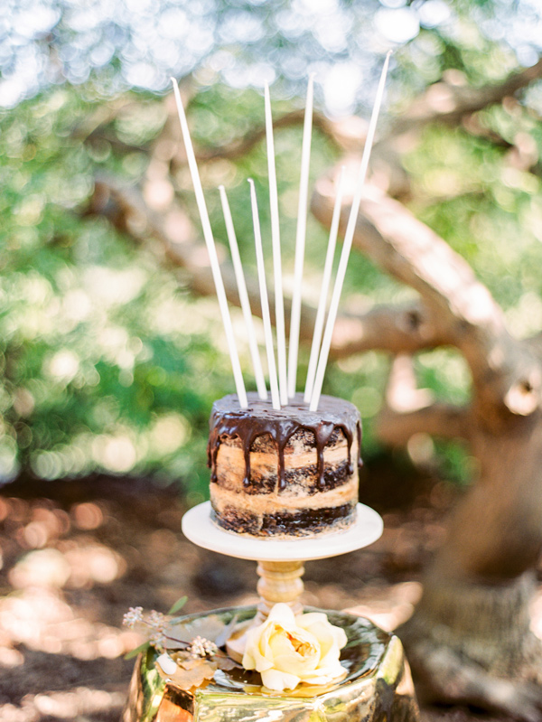 wedding cake with sparklers - photo by Love by Serena http://ruffledblog.com/copper-and-slate-autumn-inspiration-shoot