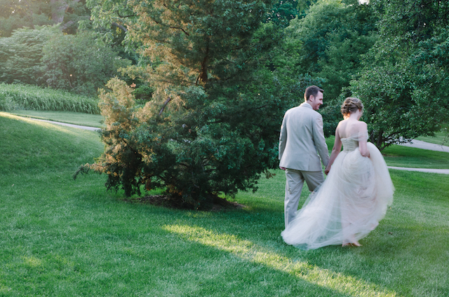 Garden wedding | Tulip + Rose Photography | see more on: http://burnettsboards.com/2015/11/manets-luncheon-grass-wedding-inspiration/