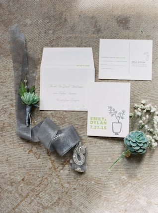 Green and grey wedding invitations | Christa Taylor Photography | see more on: http://burnettsboards.com/2015/11/urban-industrial-rooftop-wedding/