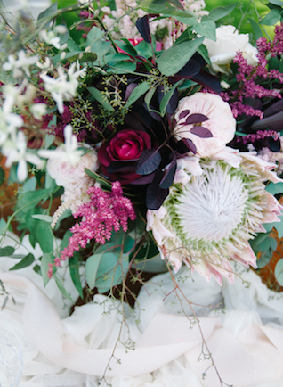 Marsala floral centerpiece | Tulip + Rose Photography | see more on: http://burnettsboards.com/2015/11/manets-luncheon-grass-wedding-inspiration/