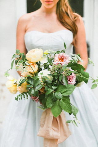 Romantic bridal bouquet | Ivy & Stone Photography | see more on: http://burnettsboards.com/2015/11/world-european-romance-themed-wedding/