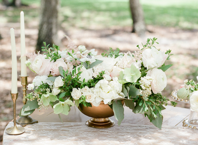 Blush and green centerpiece http://burnettsboards.com/2015/11/blush-green-outdoor-bridal-session/