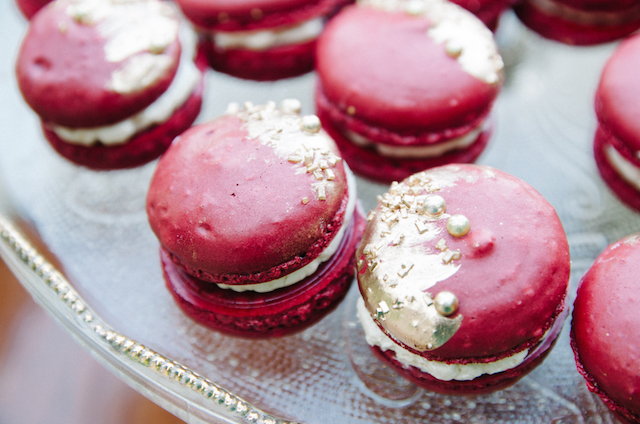 Marsala macarons | Tulip + Rose Photography | see more on: http://burnettsboards.com/2015/11/manets-luncheon-grass-wedding-inspiration/