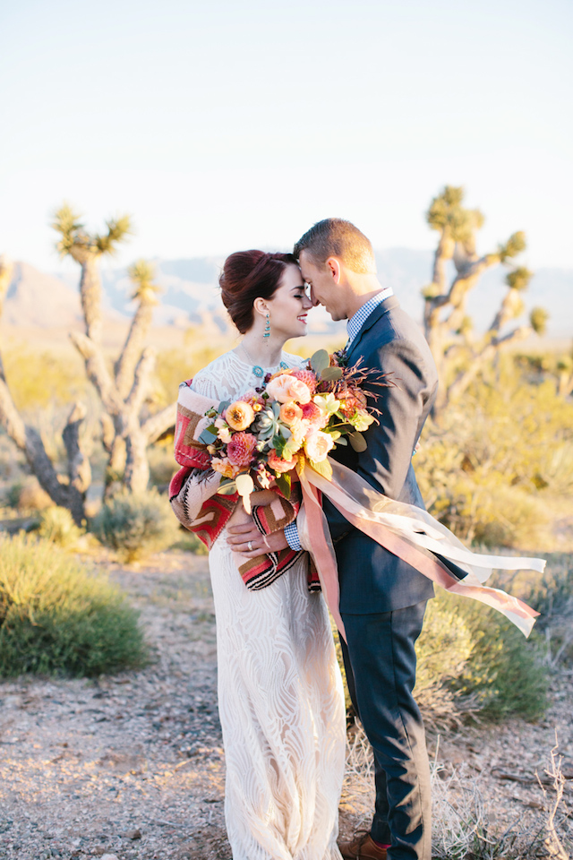 Southwestern wedding inspiration | M. Felt Photography | see more on: http://burnettsboards.com/2015/11/mid-century-modern-southwestern-wedding/
