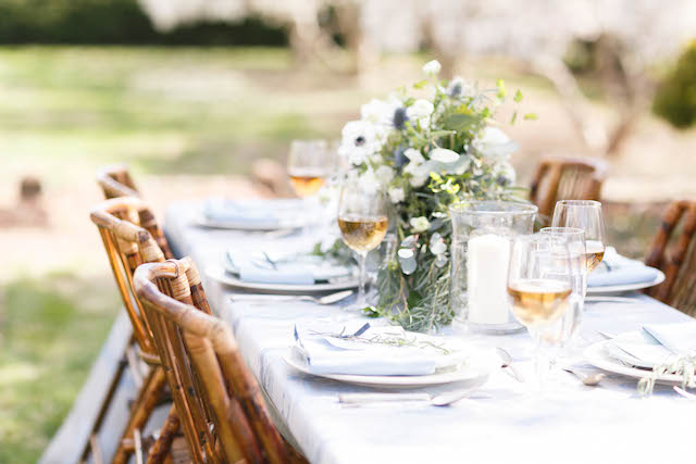 Garden wedding tablescape | V.A. Photography | see more on: http://burnettsboards.com/2015/12/eastern-shore-wedding/