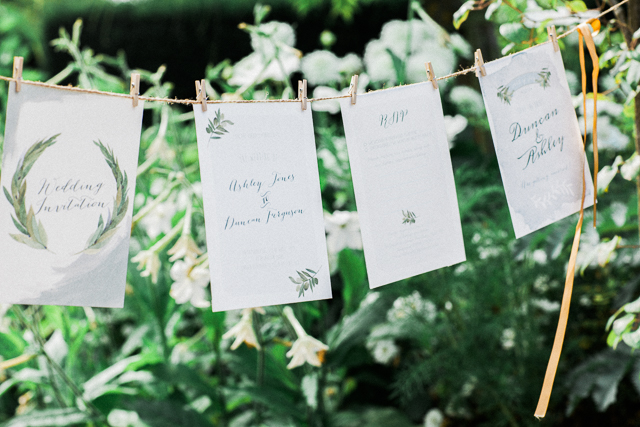 Garden wedding seating chart | Bowtie and Belle Photography | see more on: http://burnettsboards.com/2015/12/grecian-garden-wedding-inspiration/