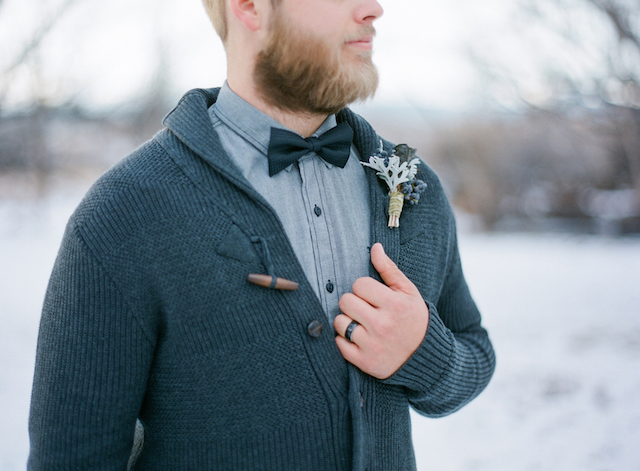 Winter groom with cardigan and bow tow | Shannon Von Eschen Photography | see more on: http://burnettsboards.com/2015/12/grooms-shoot/