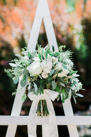 Green and white garden bridal bouquet | Bowtie and Belle Photography | see more on: http://burnettsboards.com/2015/12/grecian-garden-wedding-inspiration/