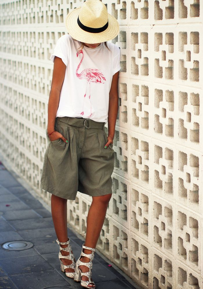 Cute Bermuda Shorts Outfits For Girls 4