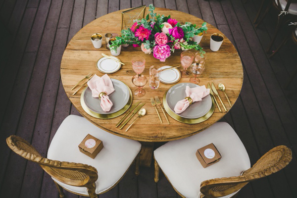 sweetheart table - photo by Katie Nicolle Photography http://ruffledblog.com/romantic-intimate-styled-shoot