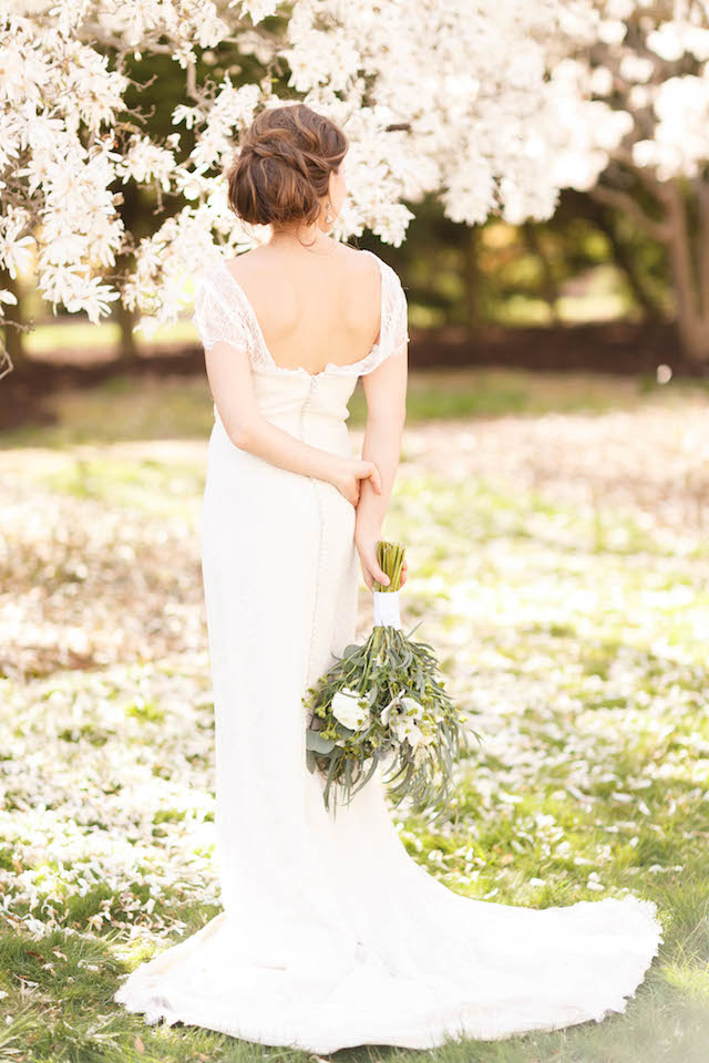 Classic cap sleeve wedding dress | V.A. Photography | see more on: http://burnettsboards.com/2015/12/eastern-shore-wedding/