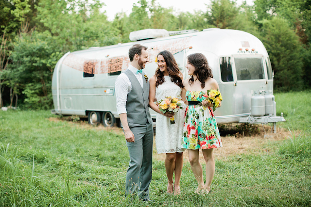 Airstream wedding | Kristyn Hogan and Cedarwood Weddings | see more on: http://burnettsboards.com/2015/12/yellow-metallic-mod-wedding/