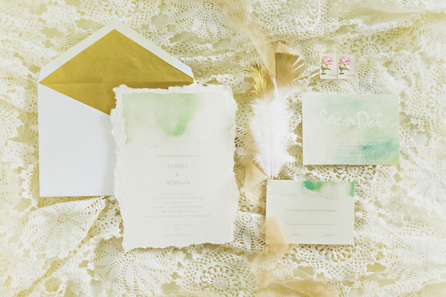 Gold envelope liners | Angie Diaz Photography | see more on: http://burnettsboards.com/2015/12/boho-glam-beach-anniversary-shoot-maui/