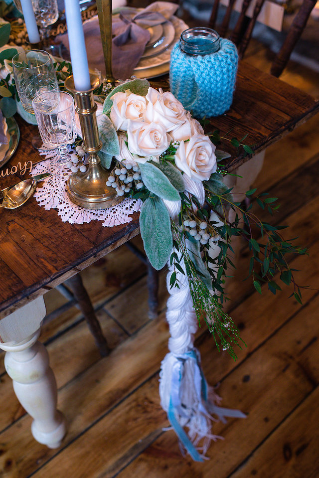 Winter wedding table runner | Lovely Peonies Photography | see more on: http://burnettsboards.com/2015/12/cozy-winter-wedding-knit-details/