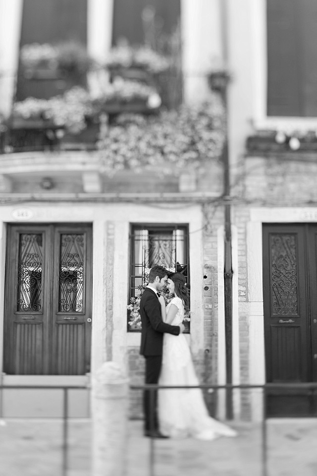 Venice wedding | Tyler Rye and My Italian Wedding Planner | see more on: http://burnettsboards.com/2015/11/mint-pink-styled-shoot-venice/