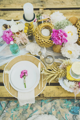 Palette tablescape | Angie Diaz Photography | see more on: http://burnettsboards.com/2015/12/boho-glam-beach-anniversary-shoot-maui/