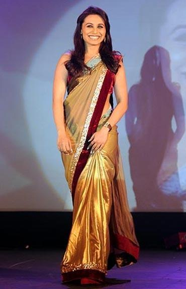 How to wear a Saree if you are Short
