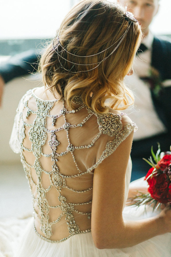 glam holiday wedding inspiration - photo by Emily Sacco http://ruffledblog.com/glam-holiday-wedding-inspiration
