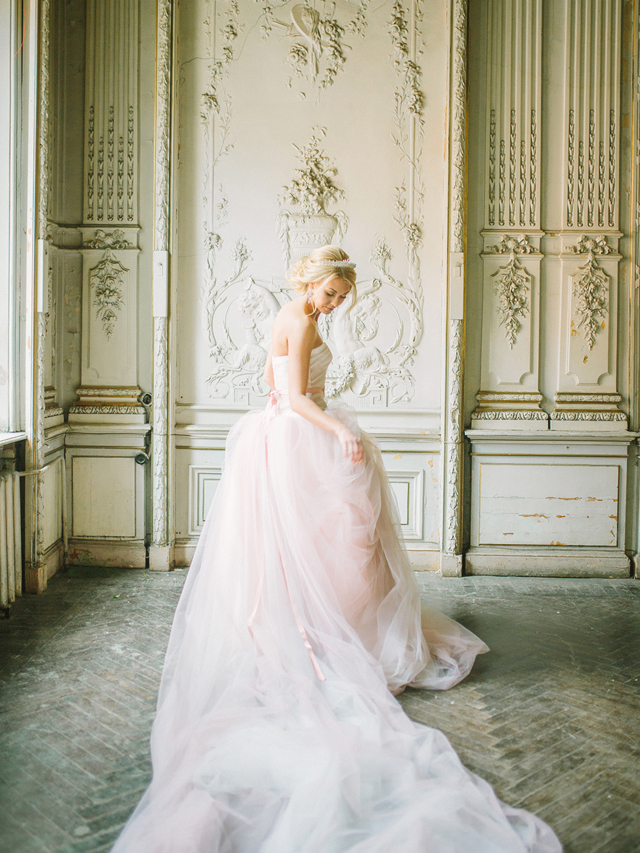 Blush pink wedding dress | Rodion Shapor Photography | see more on: http://burnettsboards.com/2015/12/fairytale-rose-quartz-wedding-inspiration/