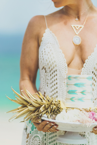 Bohemian cake | Angie Diaz Photography | see more on: http://burnettsboards.com/2015/12/boho-glam-beach-anniversary-shoot-maui/