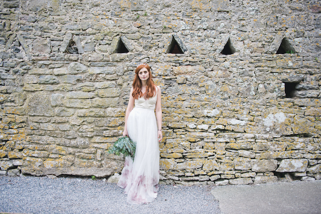Castle wedding in Ireland | Laura Power Photography and @thewedbazaar | see more on: http://burnettsboards.com/2015/12/gem-themed-wedding-castle/