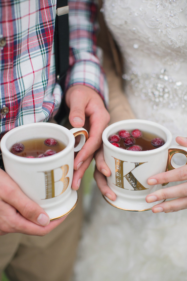 his and her mugs - photo by Janeane Marie Photography http://ruffledblog.com/christmas-tree-farm-inspiration-shoot