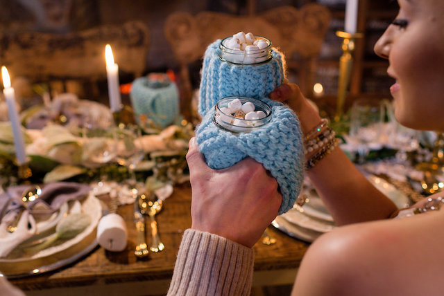 Knit hot chocolate holder | Lovely Peonies Photography | see more on: http://burnettsboards.com/2015/12/cozy-winter-wedding-knit-details/