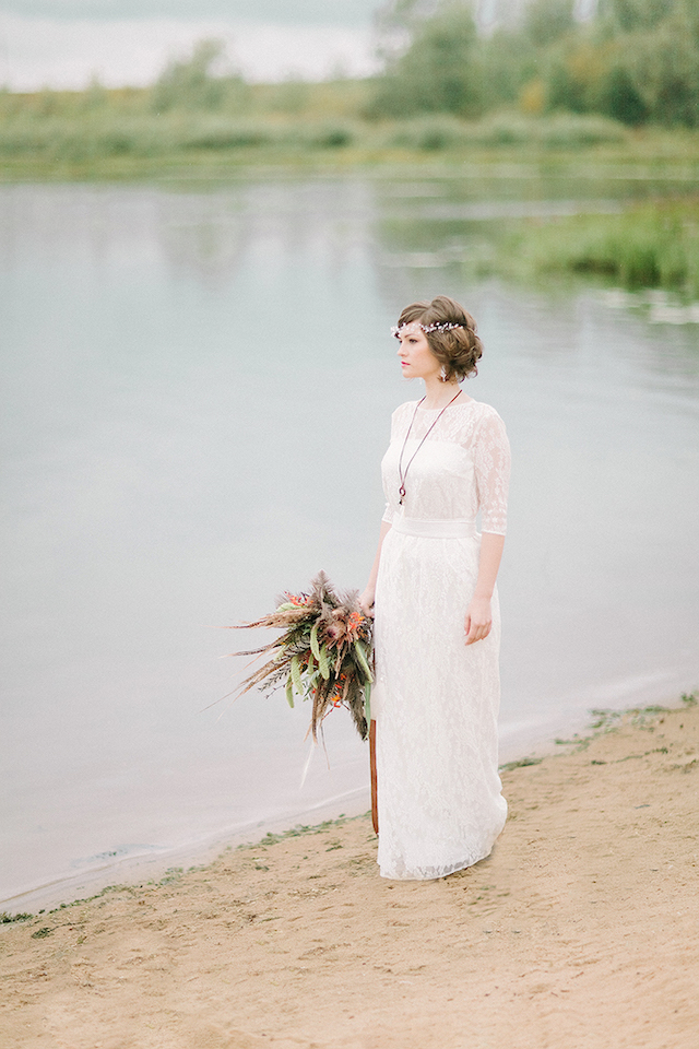 Classy, sophisticated bohemian bride | Sofia Martynova Photography | see more on: http://burnettsboards.com/2015/12/sophisticated-bohemian-bride/