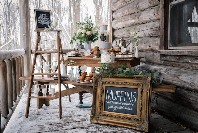 Winter wedding dessert display | Lovely Peonies Photography | see more on: http://burnettsboards.com/2015/12/cozy-winter-wedding-knit-details/