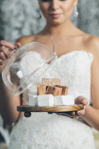 Winter wedding desserts | Lauryn Ann Photography | see more on: http://burnettsboards.com/2015/12/ski-themed-winter-wedding/
