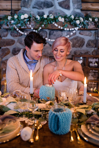 Cozy romantic winter wedding | Lovely Peonies Photography | see more on: http://burnettsboards.com/2015/12/cozy-winter-wedding-knit-details/