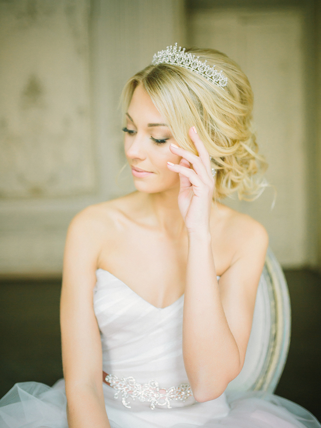 Diamond tiara | Rodion Shapor Photography | see more on: http://burnettsboards.com/2015/12/fairytale-rose-quartz-wedding-inspiration/