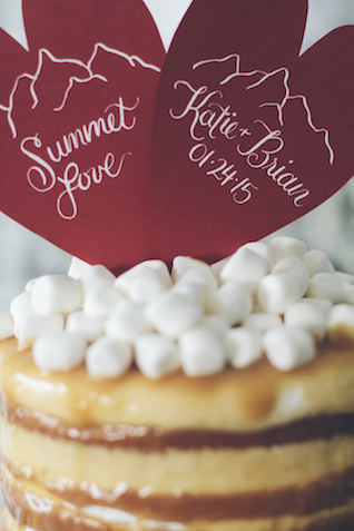 Heart cake toppers | Lauryn Ann Photography | see more on: http://burnettsboards.com/2015/12/ski-themed-winter-wedding/
