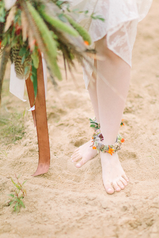 Floral anklets | Sofia Martynova Photography | see more on: http://burnettsboards.com/2015/12/sophisticated-bohemian-bride/