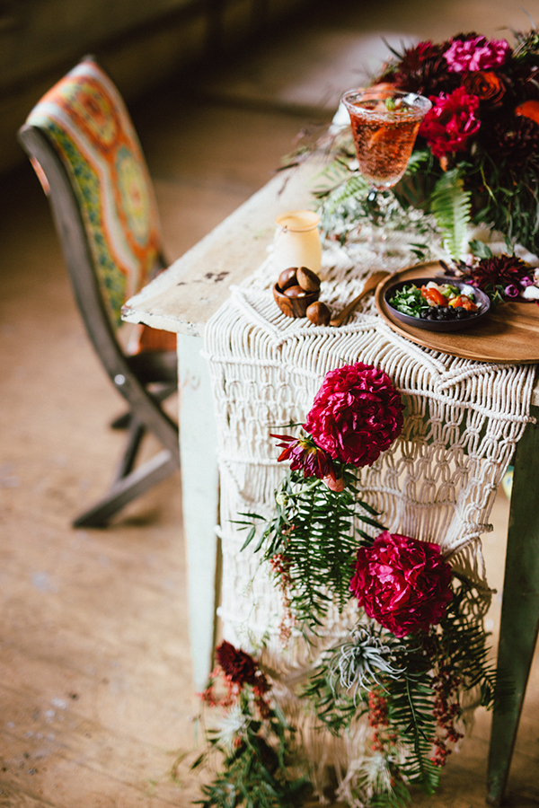 macrame table runner - photo by Cluney Photo http://ruffledblog.com/best-of-2015-wedding-receptions